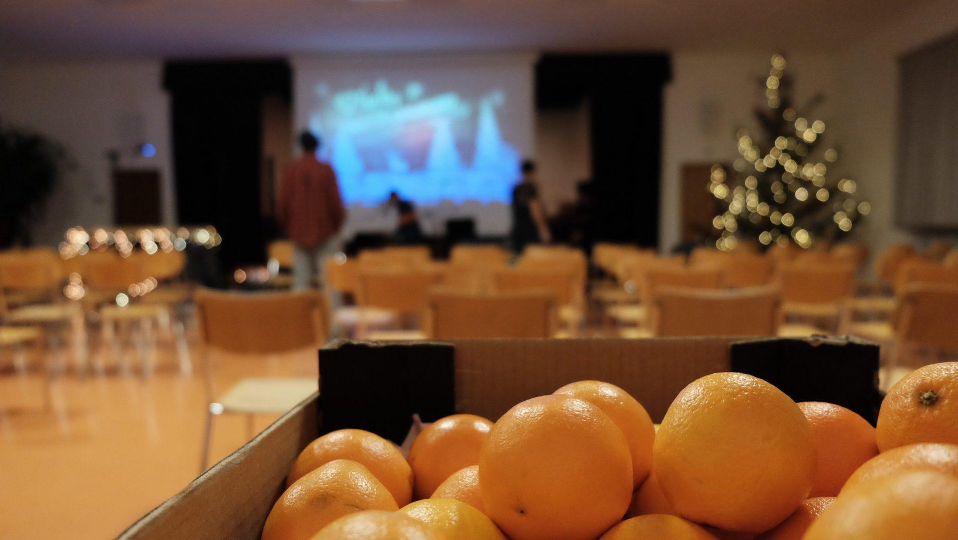 Orangen und mehr für die Insassen